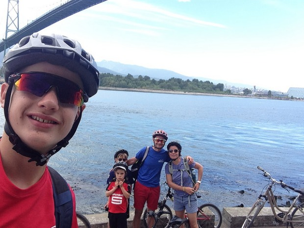 Selfi familial sur le Stanley Park